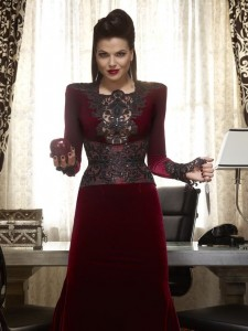 My fashion ideal: Once Up A Time's Evil Queen Regina (Lana Parrilla) (Photo : Reuters)